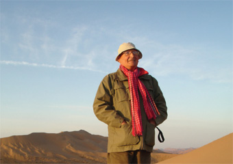 Juan in the Badai Jaran Desert, China, close to the Mongolian border