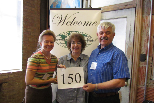 Ronnett and David Mitchell celebrate 150 countries with Kim-Kay Randt